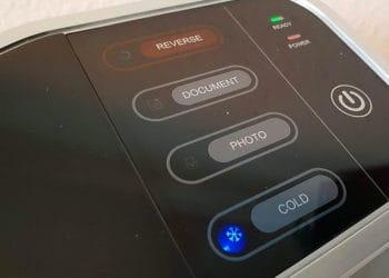 Das Laminiergerät Peach900 besticht durch eine gute Aufwärmdauer und atemberaubende  Laminiergeschwindigkeit.
